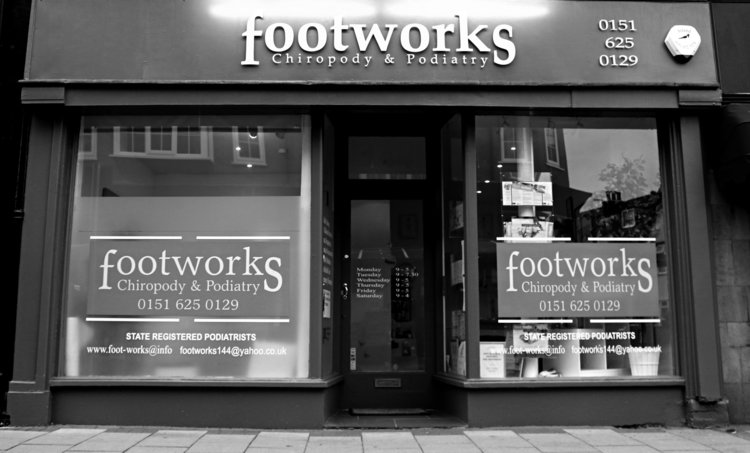 footworkshop_bw